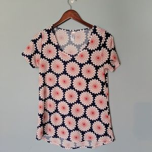 Lularoe Americana Perfect Flower Shirt